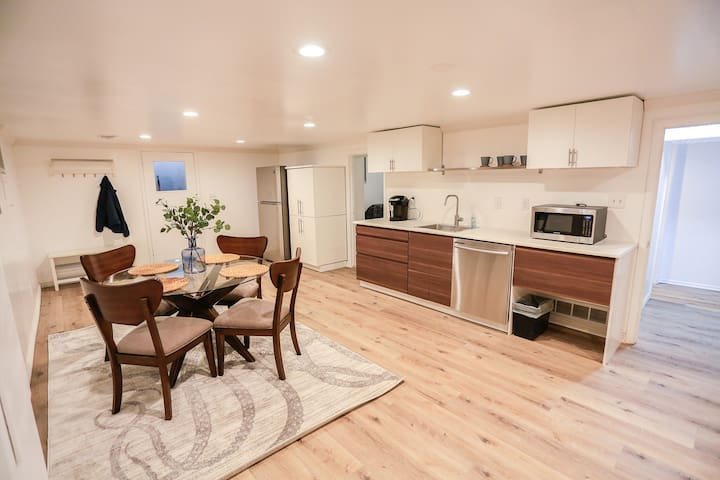 Beautiful basement remodel near Canyons/Downtown