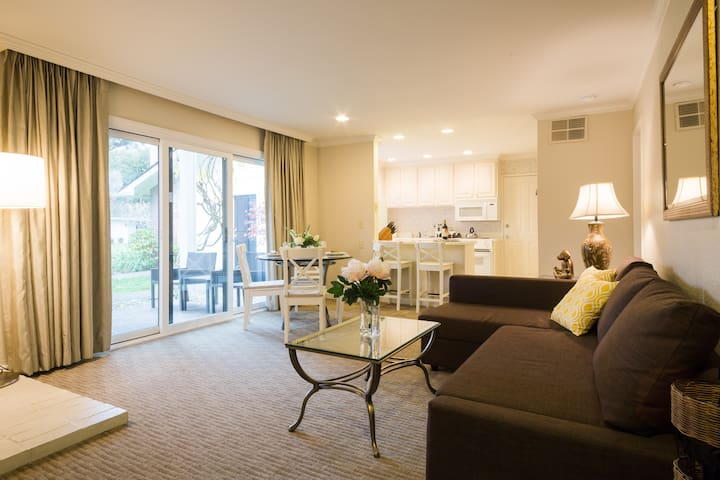 1BD King Suite: 40%OFF, Fully Sanitized, Silverado