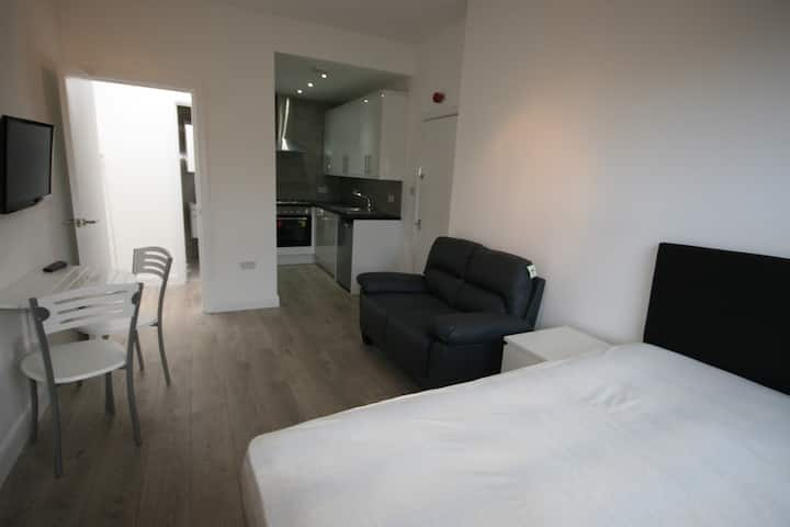 Brand new studion flat London NW2
