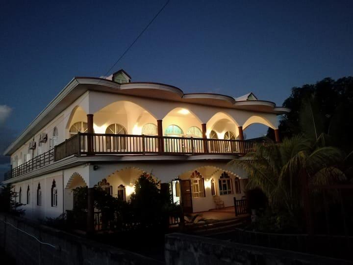 MOON Residence