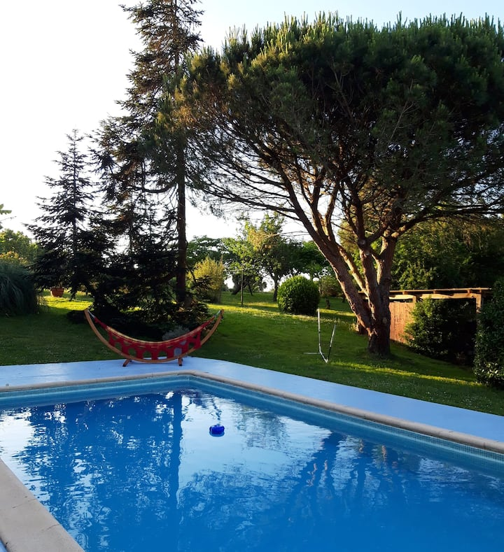 House with 2 bedrooms in Coudures, with shared pool, enclosed garden and WiFi