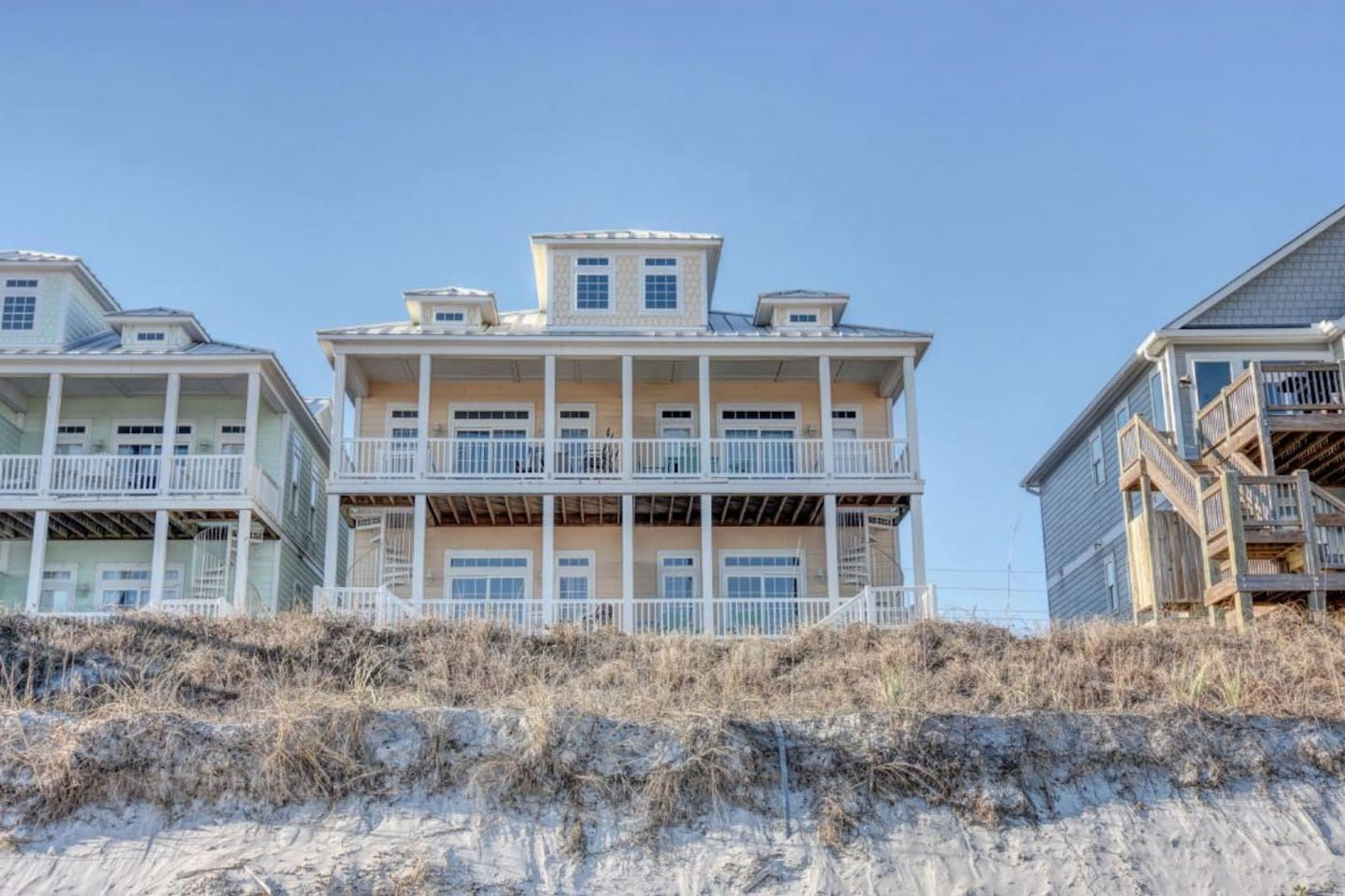 Beautiful 5 bedroom home directly on beach