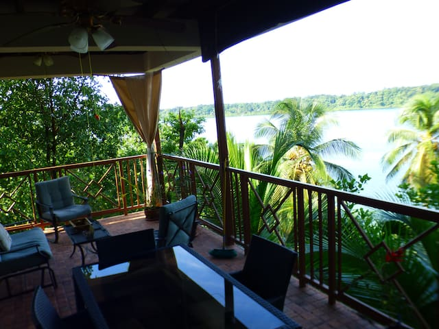 Yellow Frog EcoHouse with incredible views - Bocas del Toro - House