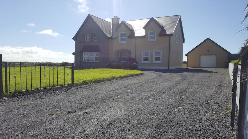 Spanish Point Miltown holiday house close Lahinch
