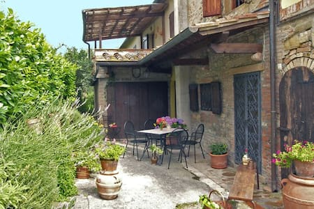 Lovely house Borghetto Between Florence and Siena - Alberi