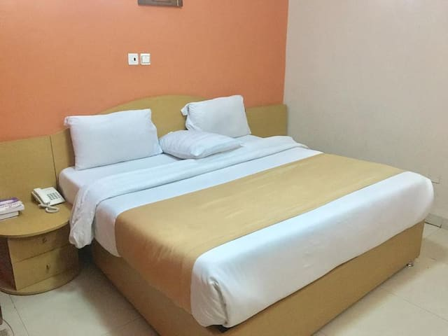 Solab Hotels-Executive Deluxe Suite
