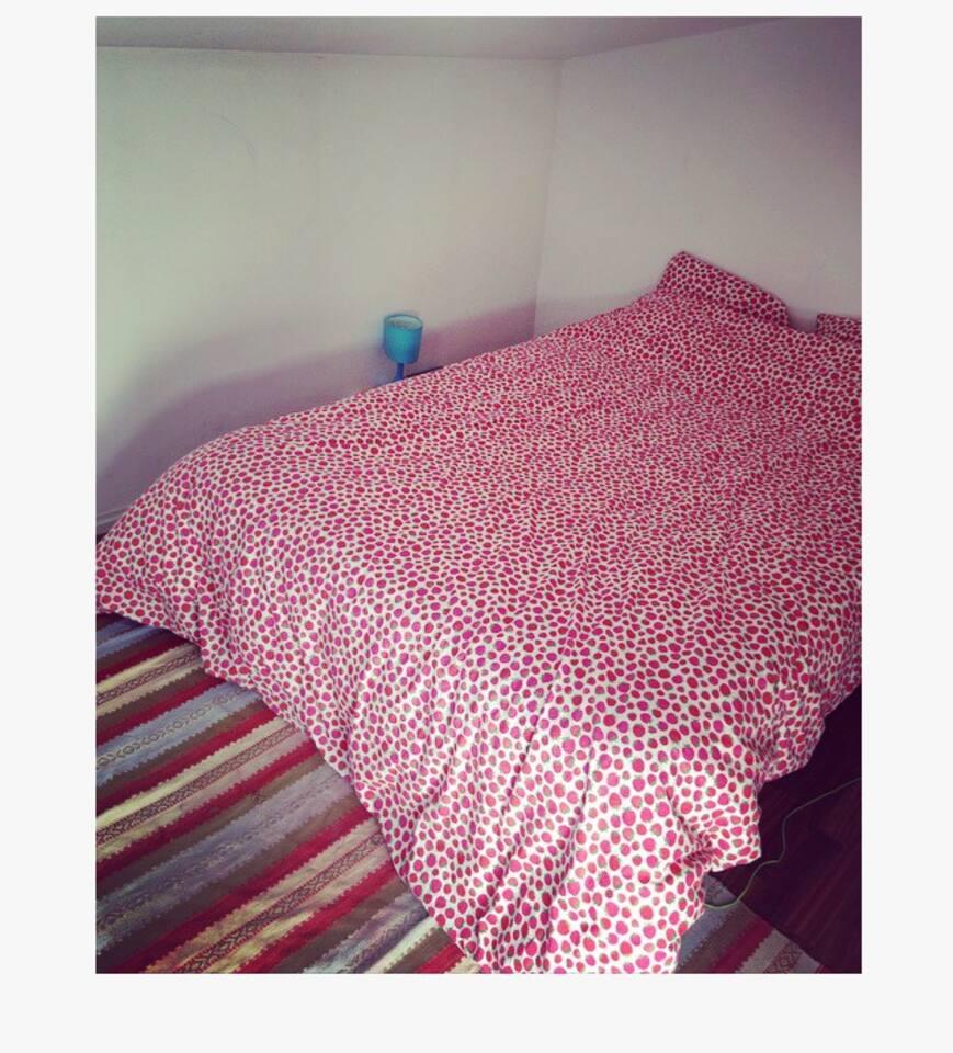 Chambre séparée, lit deux places