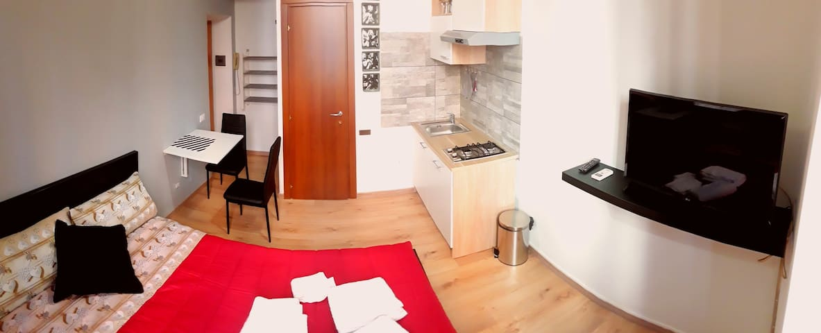 Roma Central Loft Colosseo (1-2 people)
