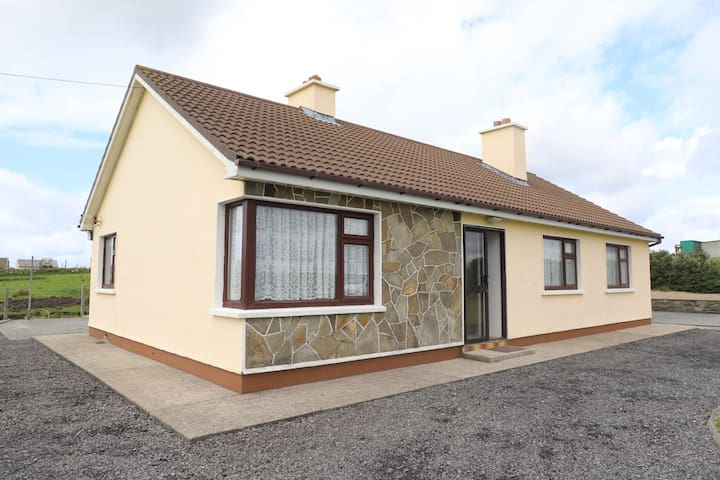 3 Bed Home with Sea View