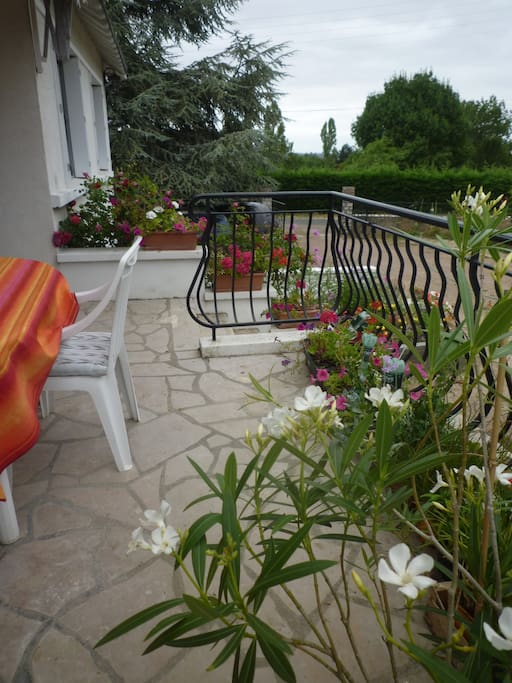 Terrasse avec vue idéale pour petit-déjeuner
