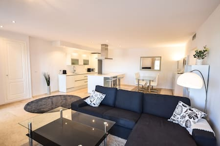 Modern apartment with see views and Garden - Marbella - Lakás