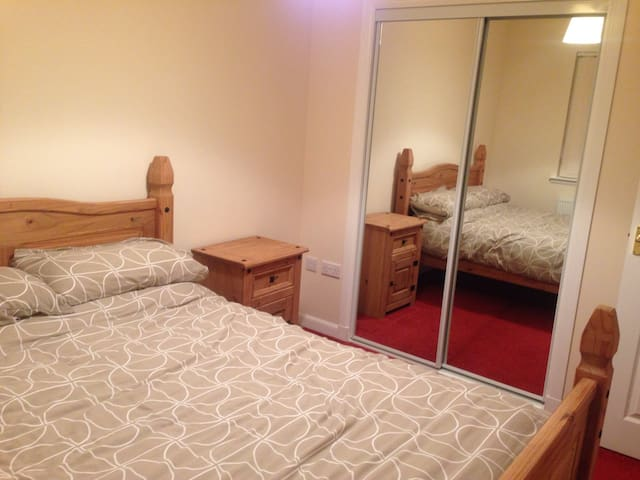 Lovely & bright  double room - Arbroath