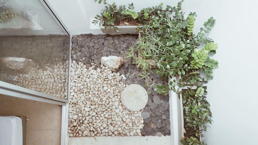 Small studio (Kitchen & bathroom) in El Poblado 3