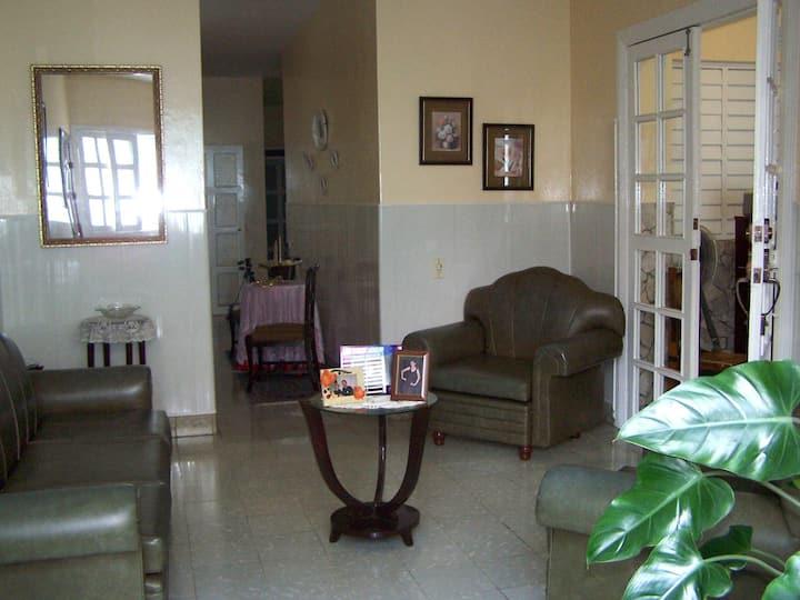 """Casa """"Bretones"""", José Luis y Amarilis (Room 1)"""