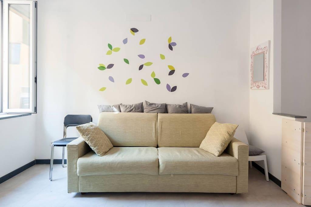 floor 2: sofa bed