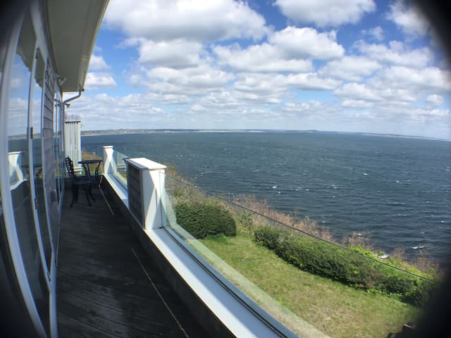 Amazing ocean front 3 bedroom - Plymouth - House