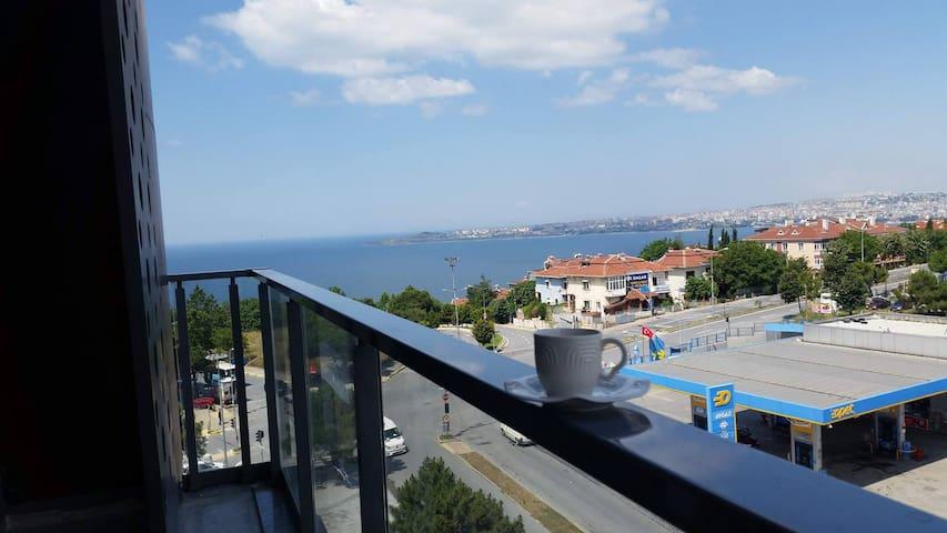 2+1 119m2 Sea-view apartment Büyükçekmece B56