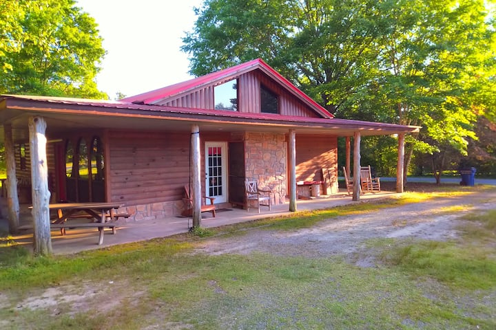 Little Red Greers Ferry Cabin