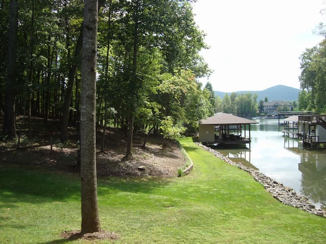 Lakeside Guest Suites on Smith Mountain Lake