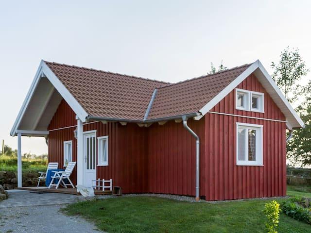 Gestüt Mitteltalhof (Kaufungen) -, Rotes Haus Nr. 1