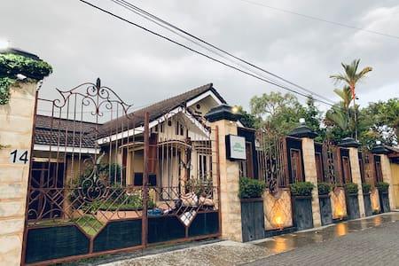 Omah Ngangeni Homestay - Villa