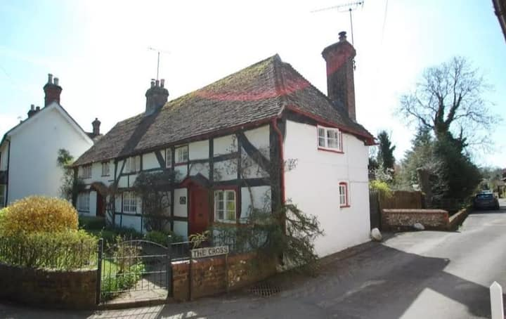 Honeysuckle Cottage - East Meon