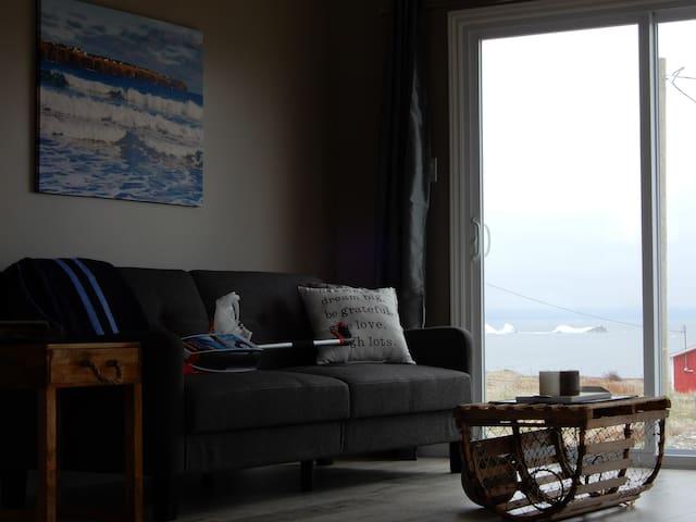 Newfoundland Oceanfront Cottage (Northern Bay)