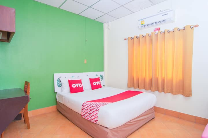 OYO Phasuk / Monthly Room