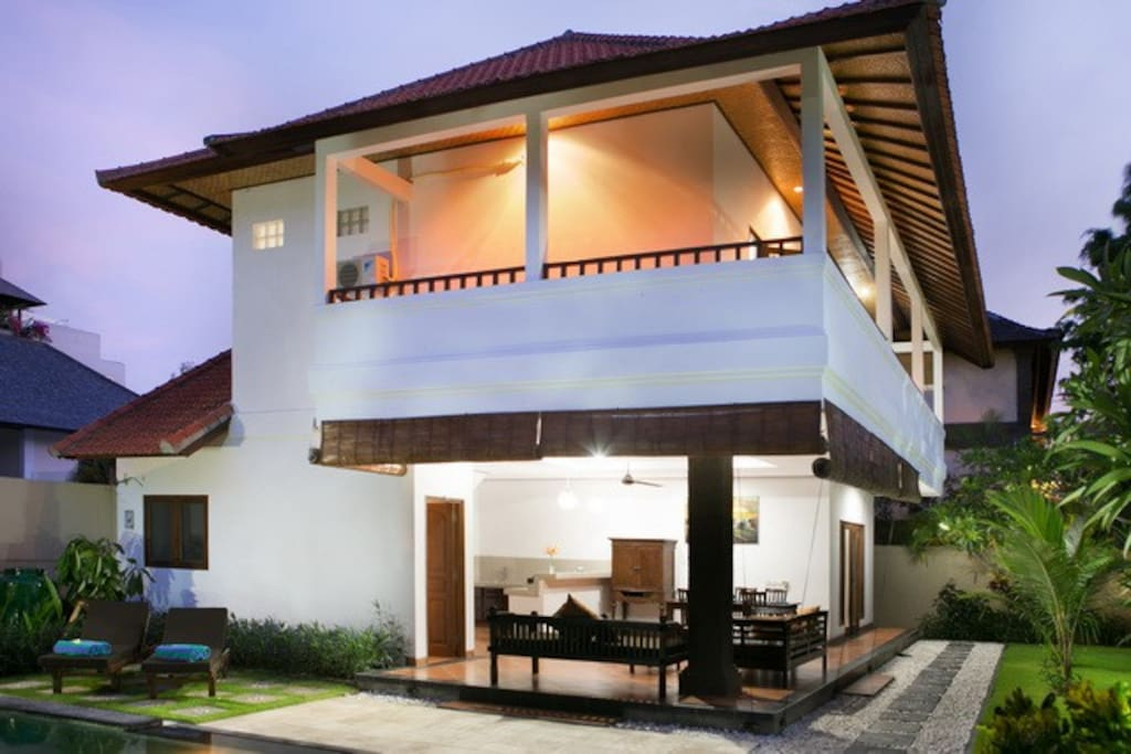 Ivory 3 bedroom villa seminyak villas for rent in bali for 6 bedroom villa bali