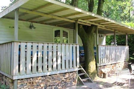 Pipowagen de Mamalou - heerlijk buiten met veranda - Kisház