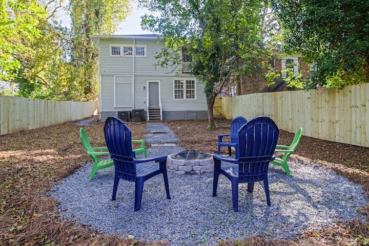 LARGE GROUPS ALLOWED, 10min to Downtown, Sleeps 8