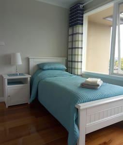 单人床阳光房,带衣柜,含无线网络 - Balwyn North - 独立屋