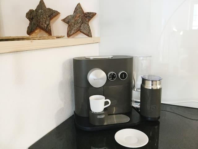 Nespresso Expert&milk with fully integrated Aeroccino
