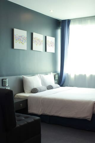 Leez Inn Malate- Hot Deal RO  King Room