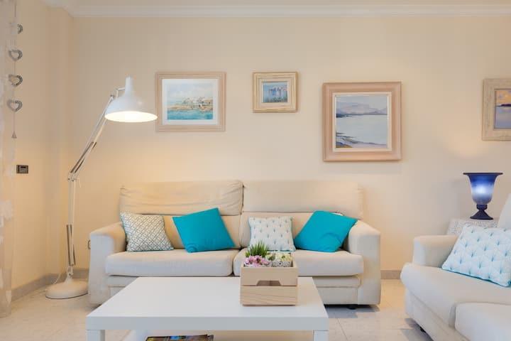 Isona i Nil. Stylish Apartment close to the beach.
