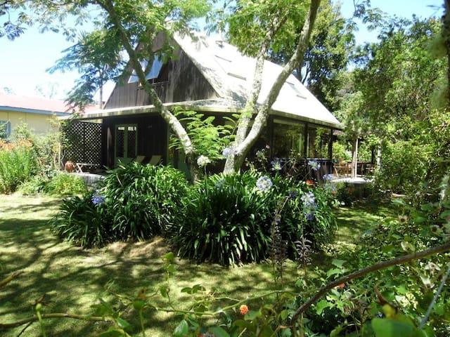 Marahau Holiday House - Marahau - Casa