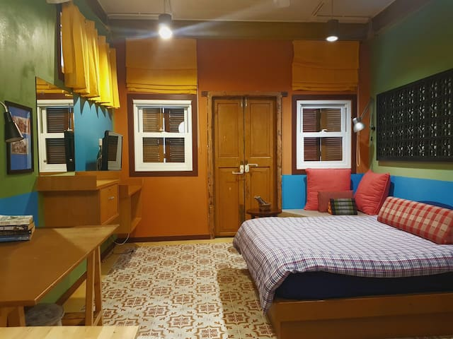 Retro One Bedroom in the heart of Phuket