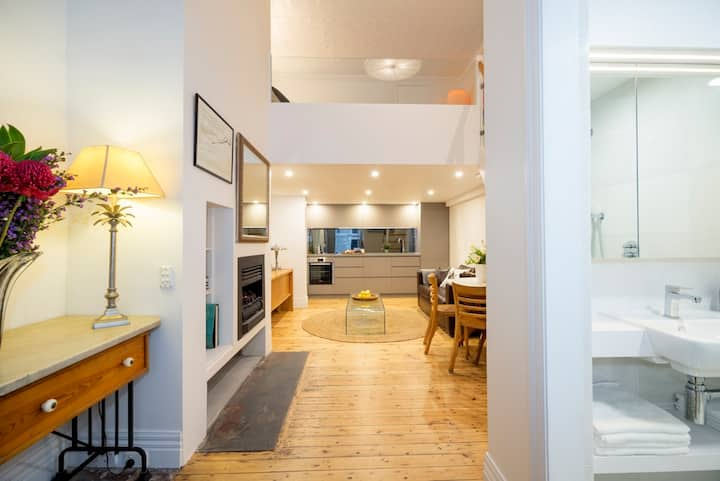 BEACHSIDE LUXURY LOFT APARTMENT - St Kilda