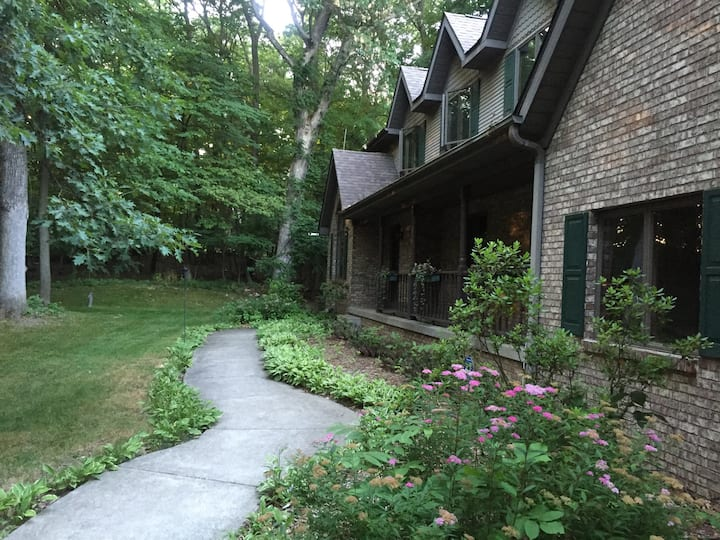 Secluded Estate - A must see!
