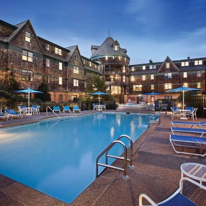 Newport Wyndham Long Wharf Resort