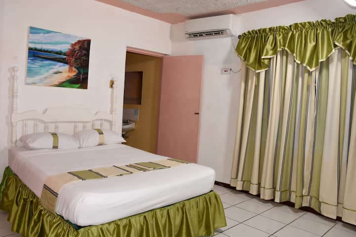 Marine View Hotel/Double Bed Room/Kitchenette