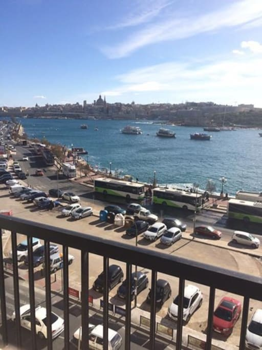 Room In Sliema Ferries Next To Zara Apartments For Rent In Sliema Malta