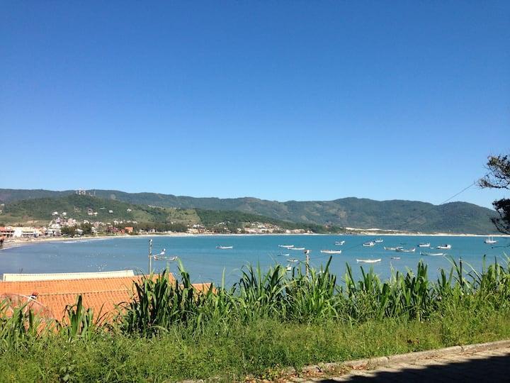 Garopaba, Brasil. Departamento N°3 frente al mar