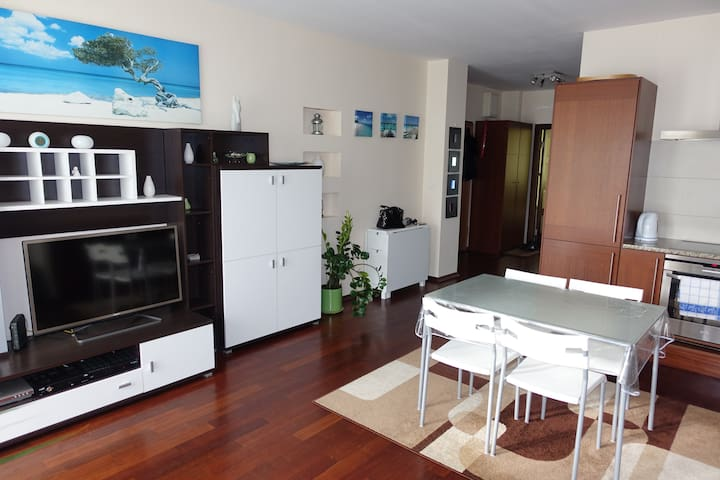 COSY 3 rooms appartment, metro KABATY - Warszawa - Apartment
