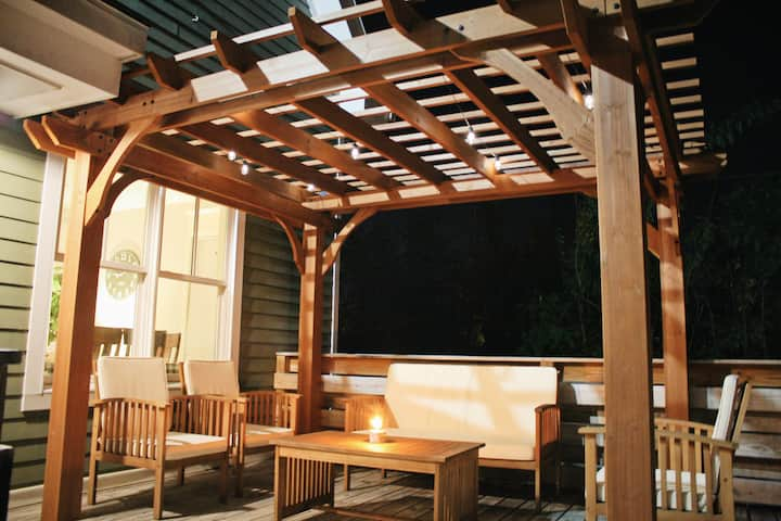Downtown Urban Farmhouse + Pergola + Fire Pit