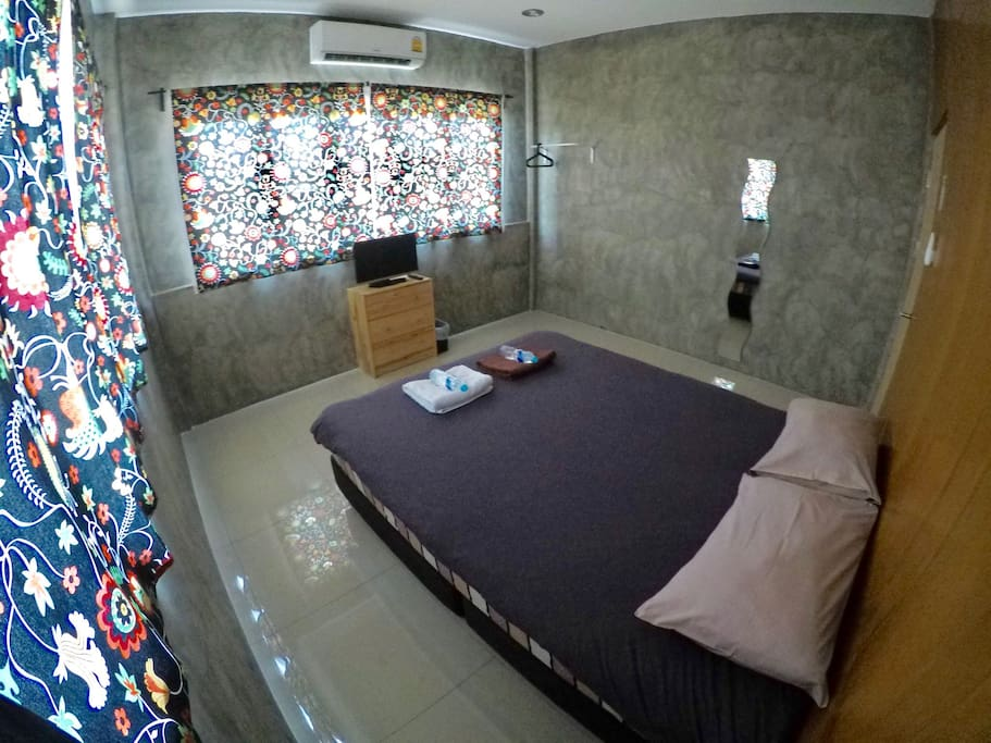 Double bedroom and all facilities.