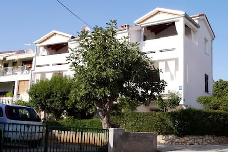 Apartment Josip (27001-A3) - Turanj - Διαμέρισμα