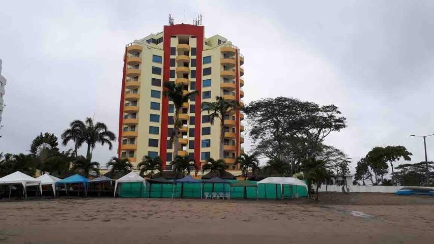 Torresol tropical Departamento 3 cuartos parqueo