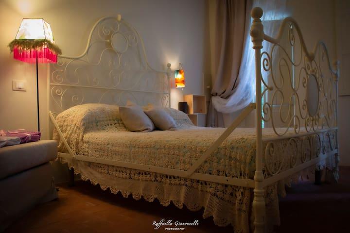 """Lu..nesco, alloggio """"divino"""" in Monferrato"""