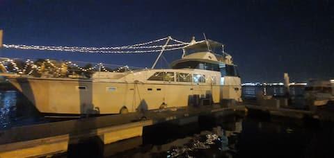 Estancia en barco (chalet flotante)
